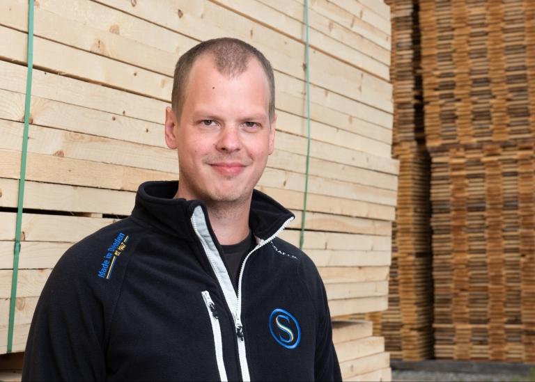 Porträttbild på Patrik Karlsson