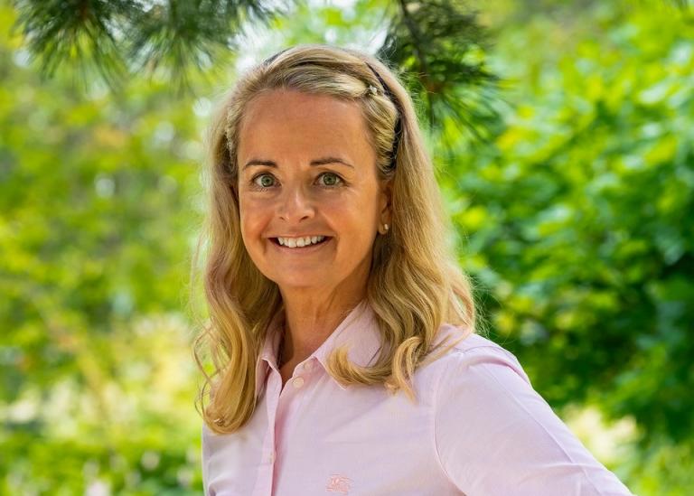 Porträttbild på Anna Flink