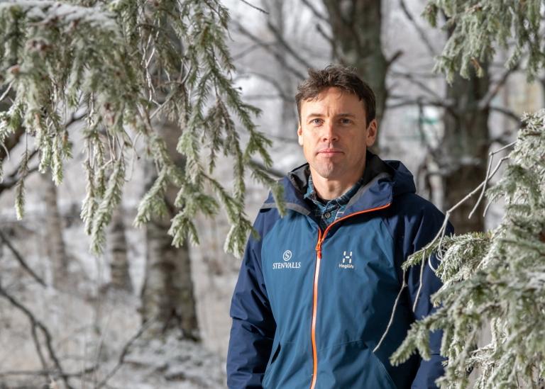 Porträttbild på Ola Lindström