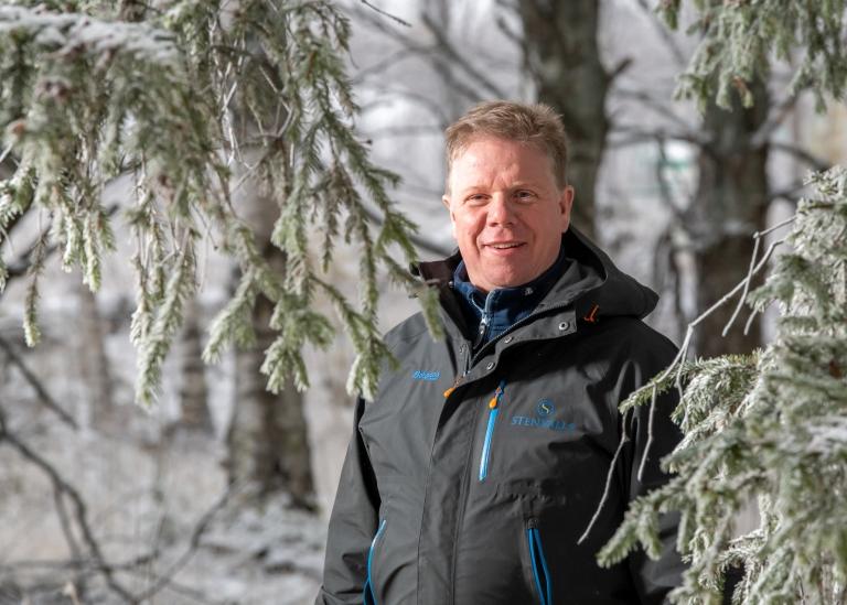 Porträttbild på Rikard Lindkvist